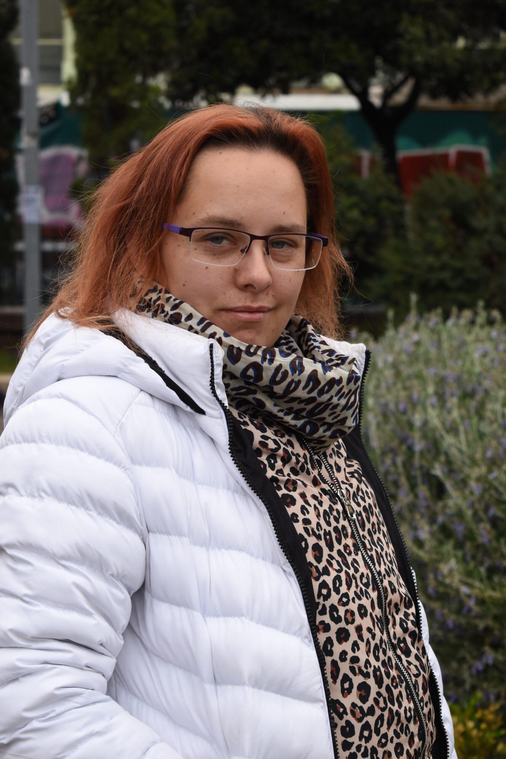 HELENA (28) Dobar savjetnik za ljubav i iskusna jahačica konja koja voli pomfri.